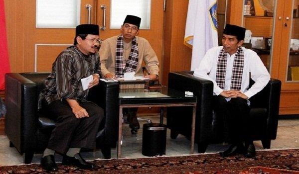 Alasan Dibalik Foto Pertemuan Jokowi Dengan HTI Unggahan Fahri Hamzah