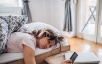 Penyebab Bangun Tidur lelah